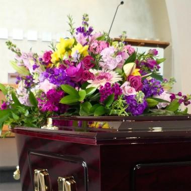 Cuscino di fiori colorati