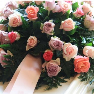 Composizione rose rosa