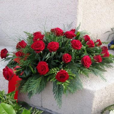 Composizione rose rosse