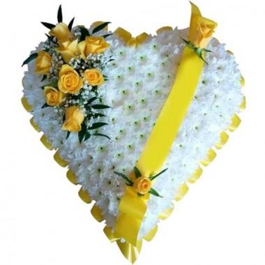 Cuore Funebre con rose gialle